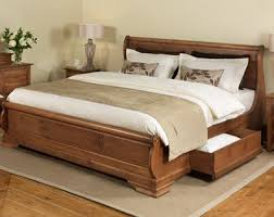 Probably the most traditional sleigh bed that I can sort of handle ...