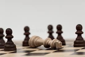 תוצאת תמונה עבור rey caído en ajedrez