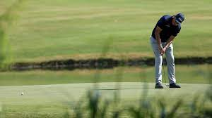 Why Phil Mickelson's armlock experiment ...