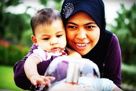 Image result for ibu senyum ke anak