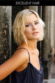 undone short hairstyle for fine hair