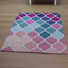 medium size pink rugs