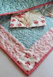 How to Slip Stitch Quilt Binding - the Right Way | Joyous Home & I've noticed some examples lately that I consider to be bad methods. The  quilt below is an example of binding sewn down with a sewing machine. Adamdwight.com