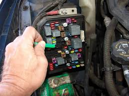 sparky's answers 2006 chevrolet impala, rear window defroster 2014 Chevy Impala Fuse Box if everything tested good in the underhood fuse box the attention should turn to the passenger side kick panel the rocker panel portion lifts up to release 2014 chevy impala fuse box diagram