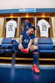 Leo Messi (@imessi)