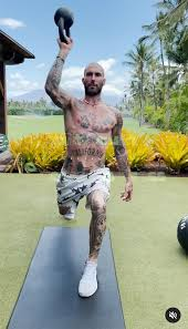 Shirtless Adam Levine Crushes Outdoor Workout | PEOPLE.com