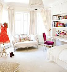 feminine bedroom decor Tips To Make A Feminine Bedroom Design