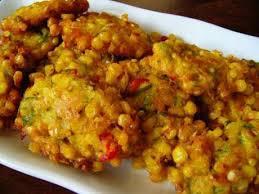 Untuk membuat sekitar 10 bakwan jagung setidaknya diperlukan 300 gram jagung manis dan 50 gram tepung terigu. Resep Cara Membuat Bakwan Jagung Yang Renyah