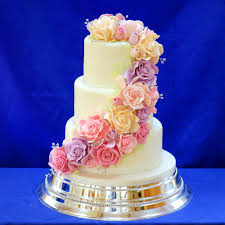 Classic Wedding Cakes Vintage And Retro Wedding Cake Designs