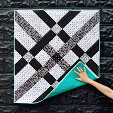 Black And White Quilt Patterns Beauteous Fishing Net Quilt Pattern Download Suzy Quilts
