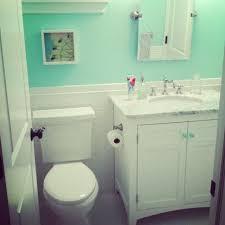 Mint Green Bathroom Decorating Ideas
