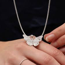18ct gold or sterling silver large erfly necklace