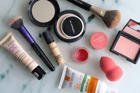 cream a light base that i ll apply over my la roche posay athelios xl tinted spf i m taking both my brush works mulasking brush and a new beauty
