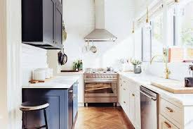 Small galley kitchen Feel Bigger If You Live In Little Apartment Or Small Home Chances Are High That You Have That Dreaded Real Estate Term The galley Kitchen Dream Doors Kitchens Make It Work Smart Design Solutions For Narrow Galley Kitchens