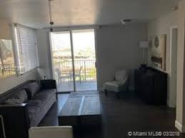 About 800 North Miami Avenue. 2 Beds