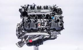 holy flat plane crankshaft we finally get an in depth look at the the all new ford 5 2 liter v8