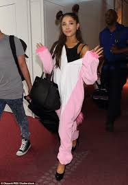 touching down ariana grande 22 landed in tokyo on thursday as she wore