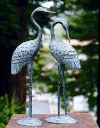garden bird heron statue