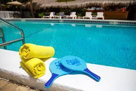 naples garden inn clean pool