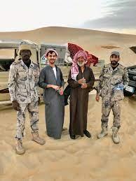 """حرس الحدود السعودي on Twitter: """"#حرس_الحدود_السعودي بالمنطقة الشرقية يعثر  على مواطنين فقدا في صحراء الربع الخالي… """""""