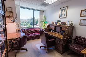Law office decor Academic Office Lawofficedecorinthesmallroomoffice withelegantdesignfurniture1024682 Sobo Sobo Lawofficedecorinthesmallroomofficewithelegantdesign