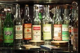 О соединении спирта с водою drive С утверждением что водку подарила миру именно Россия будут спорить до хрипоты китайцы поляки итальянцы и граждане многих других стран