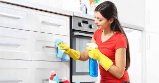 cleaning kitchen cabinets cupboards
