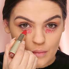how to conceal dark under eye circles with red lipstick