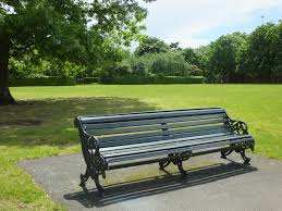 File:Park bench in Greenwich Park 6396.JPG - Wikimedia Commons