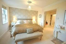 White And Gold Bedroom Decor Modern Golden White Blended Bedroom ...