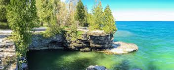 Wisconsin Explorer: Cave Point Door County Park