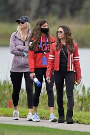 The couple first welcomed daughter sam alexis, on june 8, 2007. Tiger Woods Ex Wife Elin Nordegren Watches Their Son Charlie Play Golf Express Digest