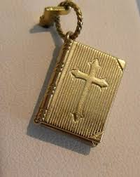 14k gold 3d opening book with lords prayer inside charm pendant