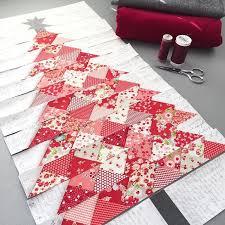Best 25+ Christmas tree quilt ideas on Pinterest   Christmas quilt ... & Red Christmas tree quilt -- I love this, but would do it in dark green  fabrics. Adamdwight.com