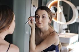 today i will tell you more about my morning makeup routine i have never been a person that puts a lot of makeup on a daily basis but i always try hard