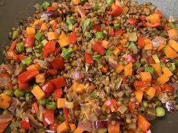 Wok di lenticchie con verdure speziate – Riccioli di Zenzero