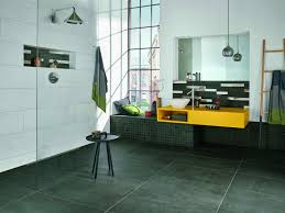 Der Loft-Stil fürs Bad mit Fliesen in Beton- oder Zementlook