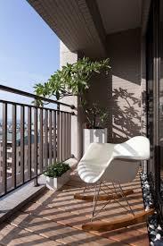 Kleinen Balkon Gestalten Ideen Mit Bunten Balkonm Beln Und Pflanzen
