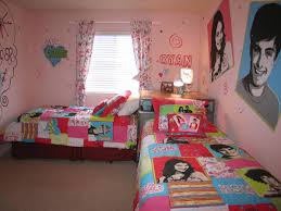 Small Bedroom Decor Decorate A Small Bedroom With Two Beds Interior Design Inspirations