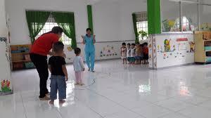 Một số kinh nghiệm để phát kỷ năng vận động cho trẻ 5- 6 tuổi - Mầm non Hoa  Phượng