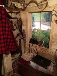 ultimate man cave rustic man cave ideas. This Guy Built A Rustic Cabin Man Cave For 107 Dollars (17) Ultimate Ideas P