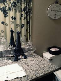 Achieving Romantic Look With Paris Themed Bathroom Romantic