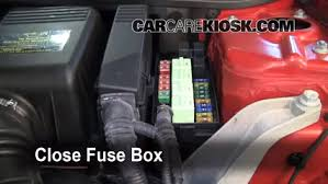 replace a fuse 2002 2008 mini cooper 2004 mini cooper s 1 6l 4 2010 mini cooper fuse diagram at 2013 Mini Cooper Fuse Box