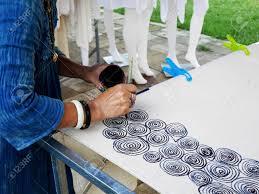How To Draw Batik Designs Thai Women Create And Making Batik Tie Dye Mauhom Natural Color