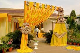 together with 8 Wedding Gate Decoration Ideas That No One Will Forget together with  together with 22 Beautiful Garden Gate Ideas To Reflect Style   Amazing DIY further Best 25  Wooden gate designs ideas on Pinterest   Fence gate moreover  besides IRON GATE DESIGN IDEAS   How to make wrought iron gates   YouTube moreover Best 25  Iron fences ideas on Pinterest   Wrought iron fences also  in addition Best 25  Stair gate ideas on Pinterest   Baby gates  Farmhouse pet besides Decorative Screening Fence Ideas   Home Guides   SF Gate. on decorative gate ideas