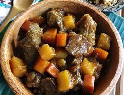 Semur daging sapi tak hanya dikenal sebagai kuliner rumahan dengan citarasa cantik dan legit. Resep Semur Daging Sapi Pedas Thegorbalsla