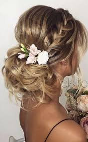 D9f191b5df0 Květinové Ozdoby K Svatebním šatům Jaké Trendy Přinese