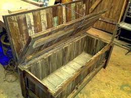 Rustic Pallet Furniture Pallet Desks & Pallet Tables