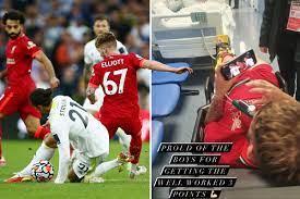 يقول هارفي إليوت إن Struijk لم يتعامل مع البطاقة الحمراء ويكشف أنه شاهد  نهاية ليفربول يفوز على هاتفه في سيارة الإسعاف