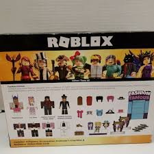 Roblox Fashion Designer Roblox Celebrity Fashion Famous Large Playset 4 Iconic Figures And Accessories